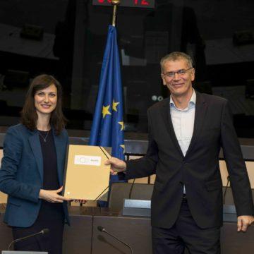 Podpis pogodbe EuroHPC Joint Undertaking12